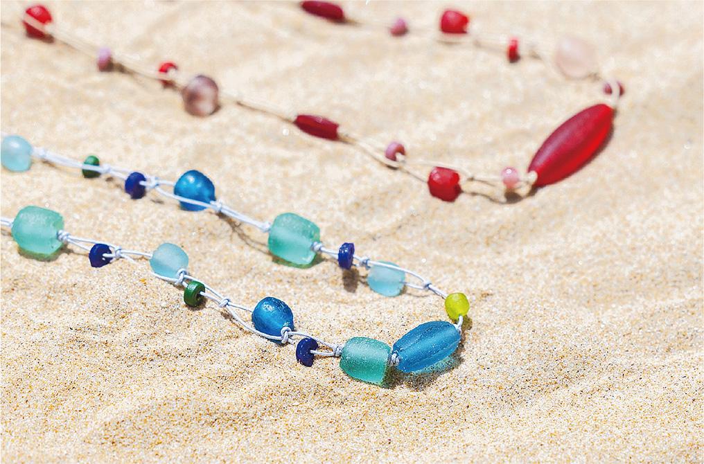 ガラスのネックレス|登美